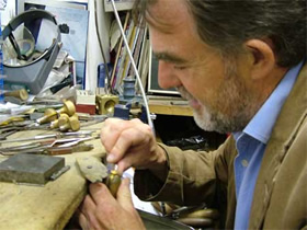 joe-setter-working-on-claddagh-ring-irish-jewelry