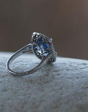 18k-sapphire-ring