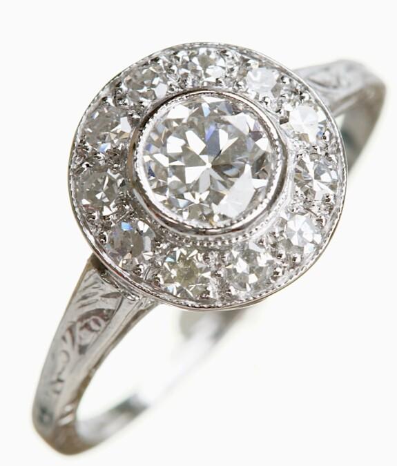 platinum-antique-diaond-ring
